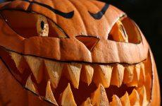 Изготовление подсвечника из тыквы на праздник Хэллоуин