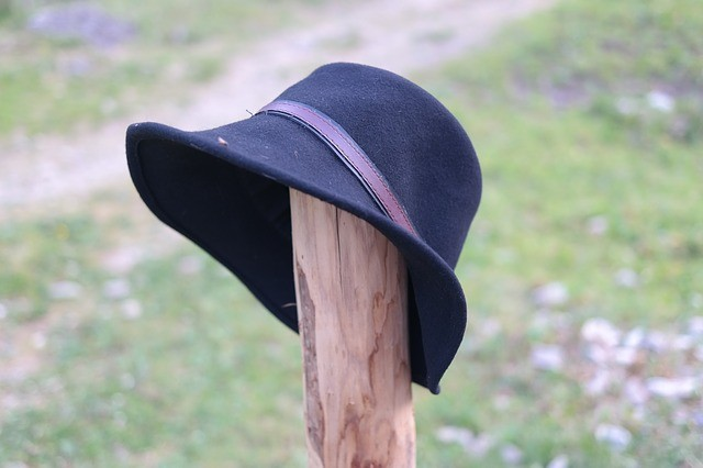 Уход за шляпами из фетра